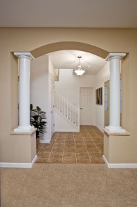 Modular Home Foyer Entry with 2 Columns